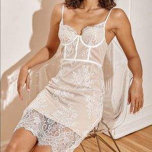 Lulus lace bustier bodycon midi dress